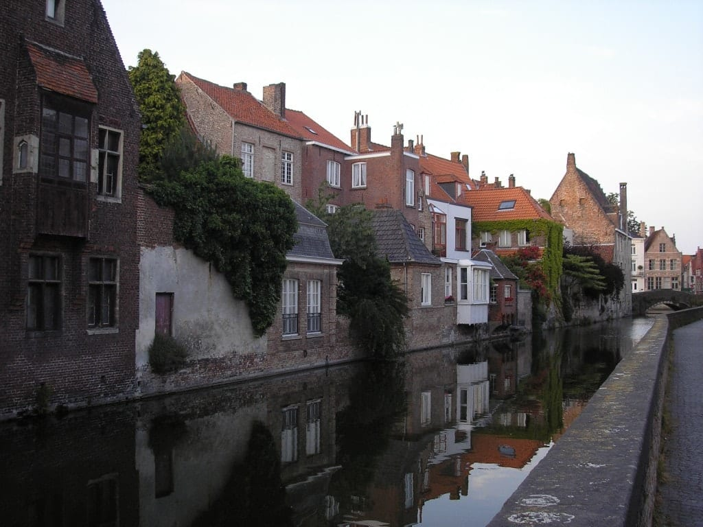 photo essay beautiful canals in bruges adventurous kate filed under blog bruges categories cities destinations europe featured middot tagged bruges europe photo essay