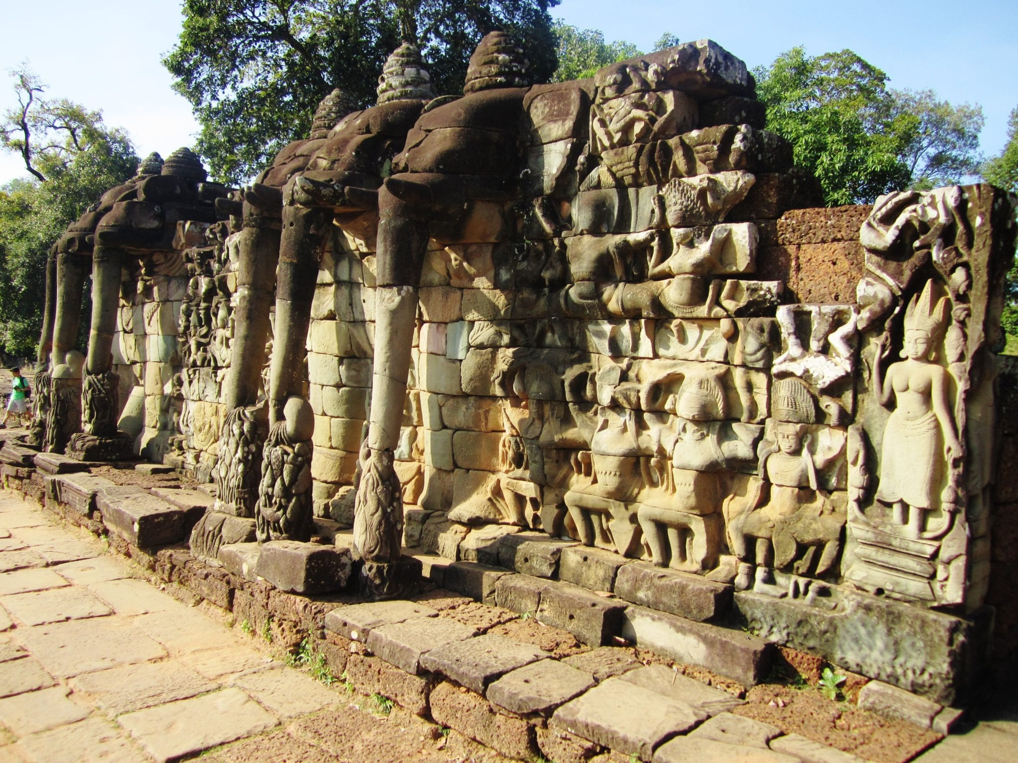 Angkor wat one day guide the best of angkor adventurous for Terrace of the elephants