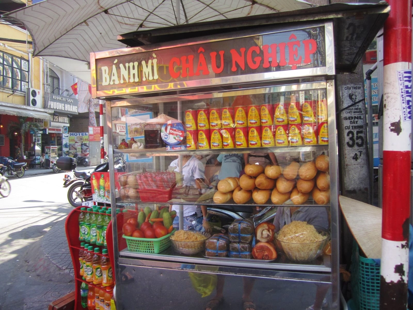Best Street Food in Hanoi, Vietnam