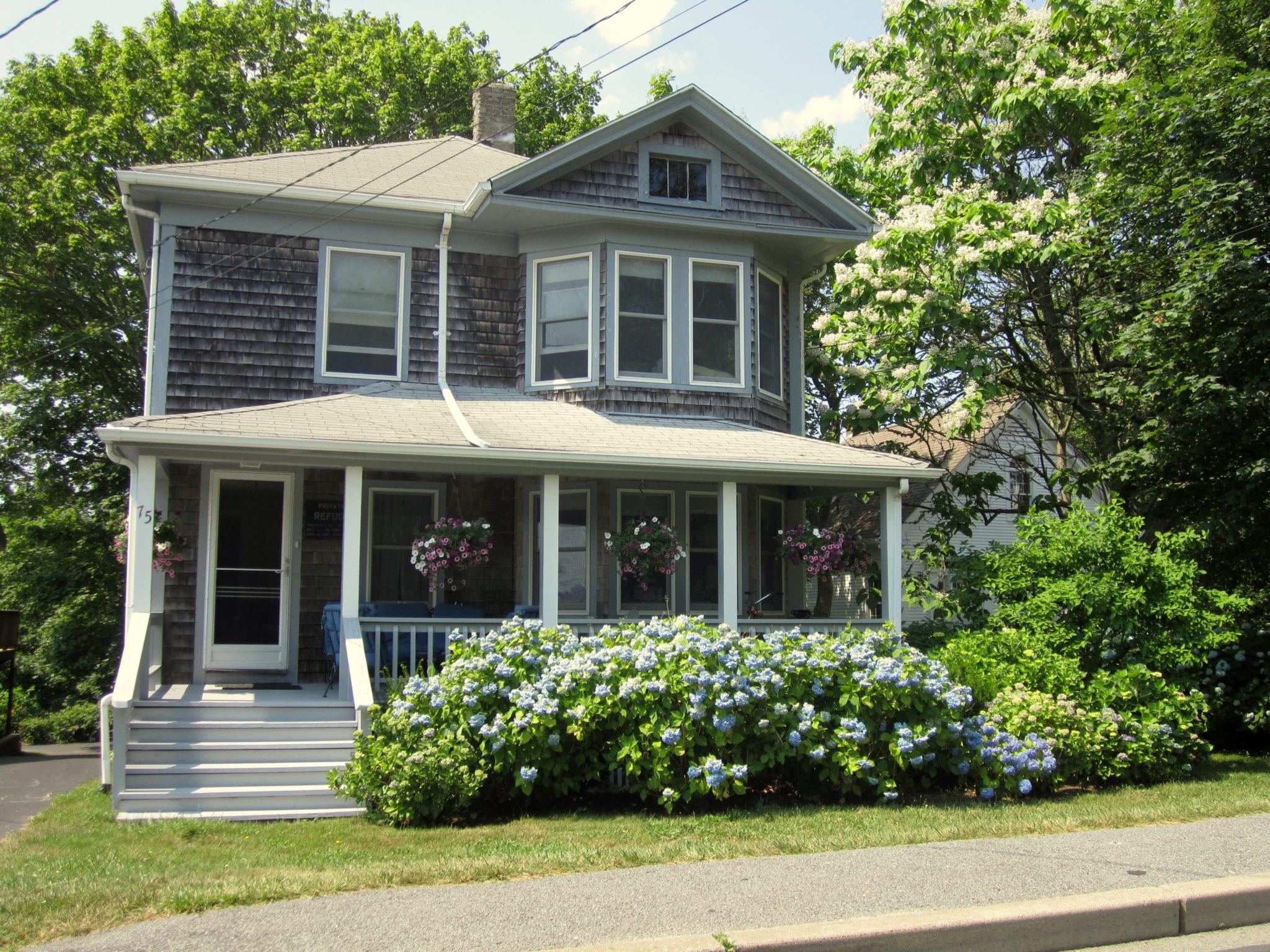 Exterior: Photo Essay: Cape Cod Houses
