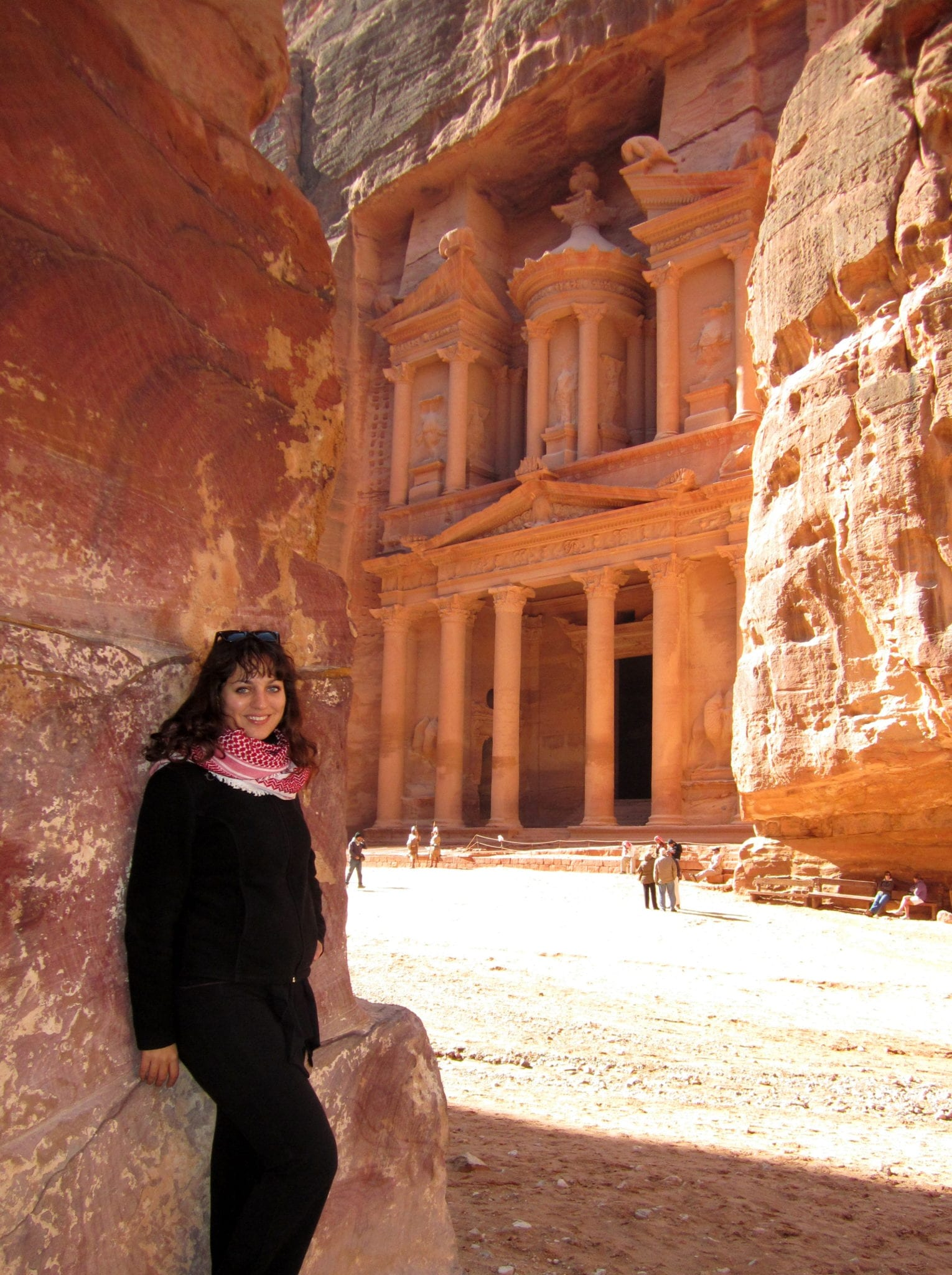 2b3c1718d443a In Petra, I wore my fleece over a t-shirt, yoga pants, and hiking boots —  and added an awesome scarf.
