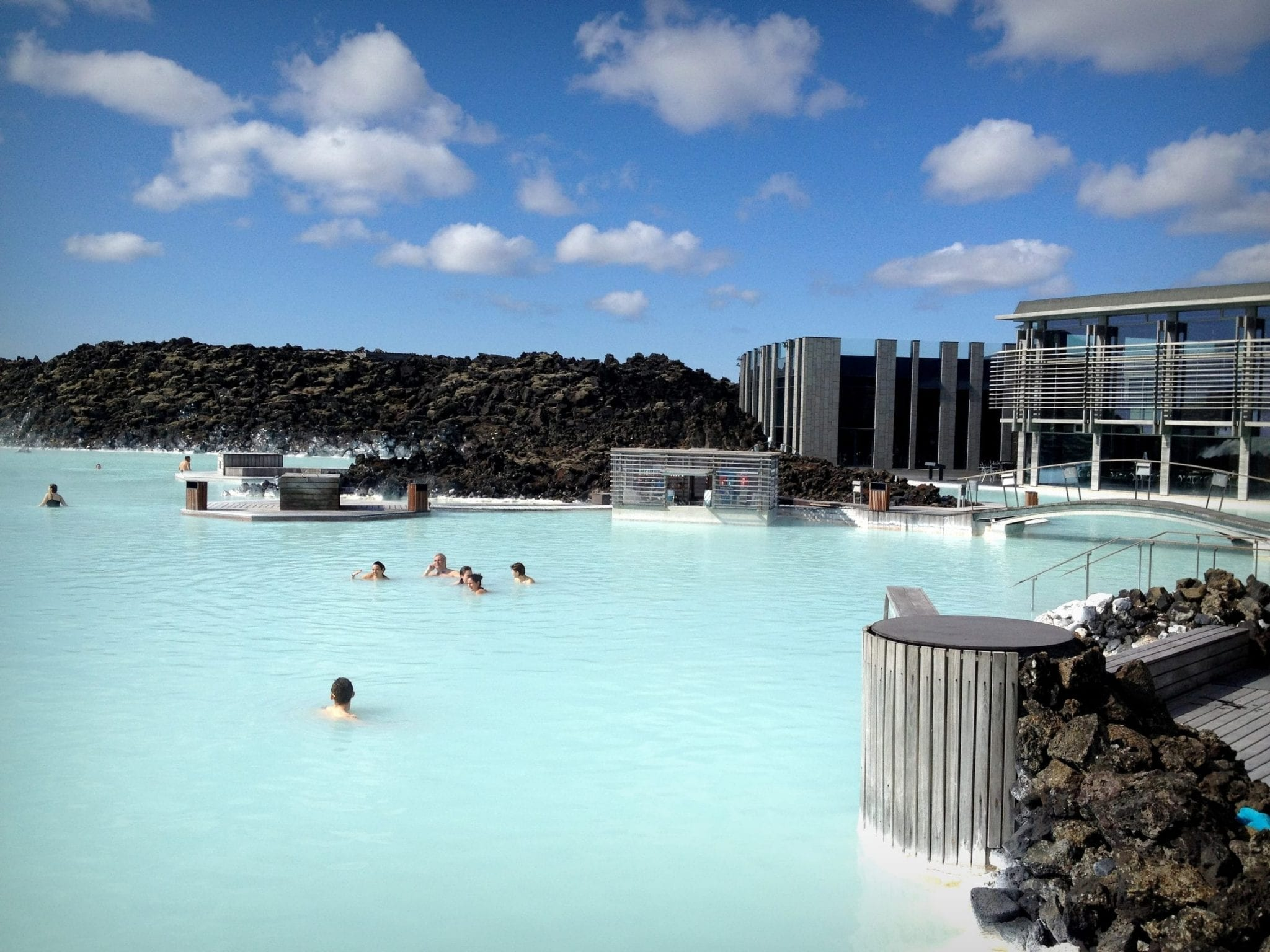 Things no one tells you about the blue lagoon for Where is the blue lagoon in iceland