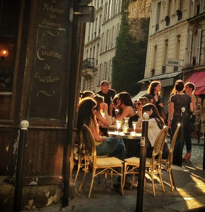 Montmartre Cafe in Sunshine