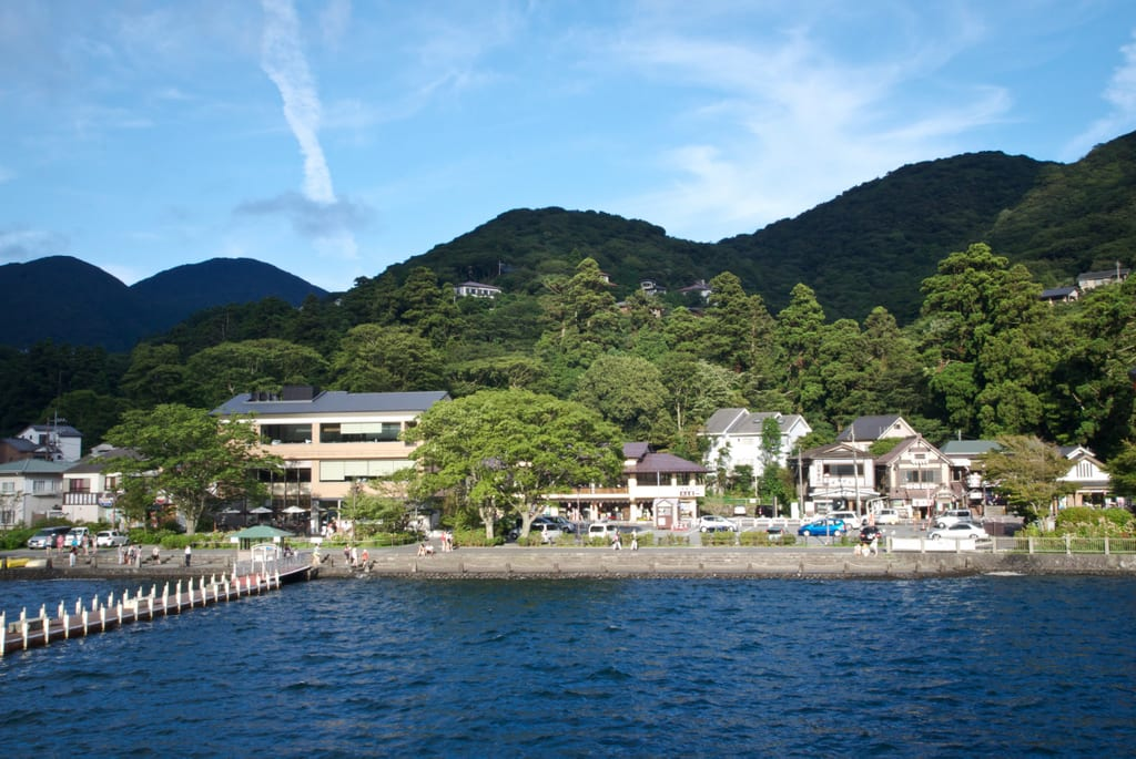 Hakone Lake