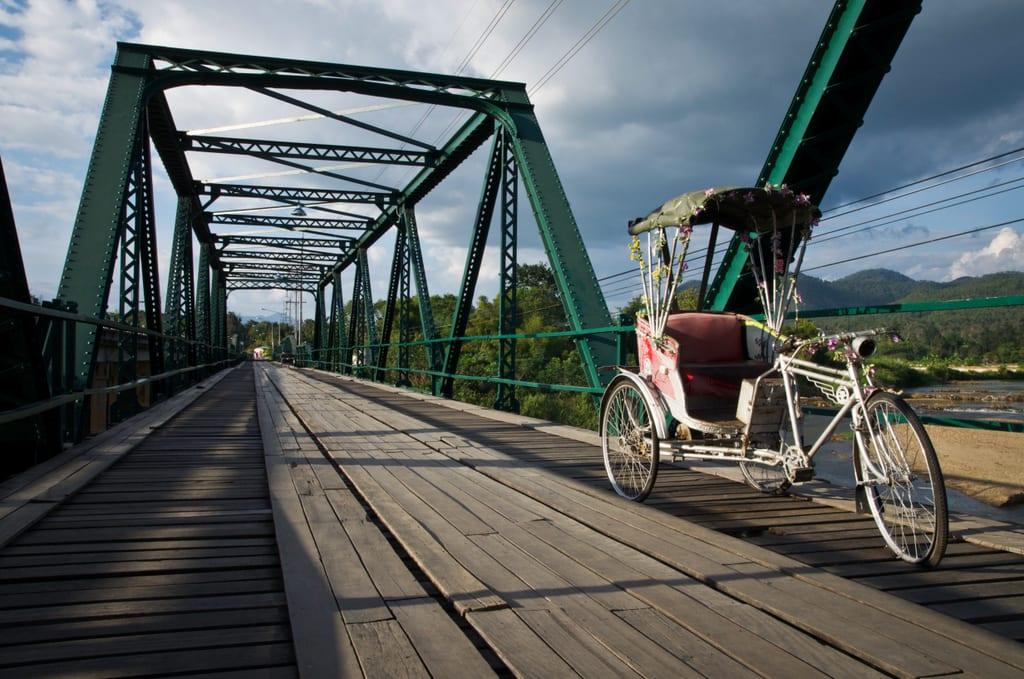 World War II Bridge, Pai