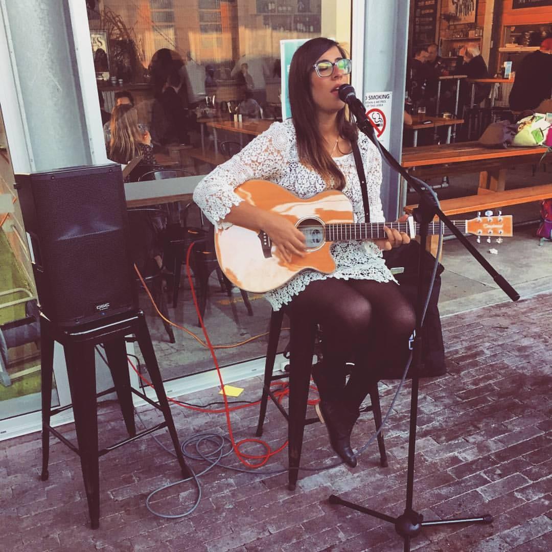 justine performing