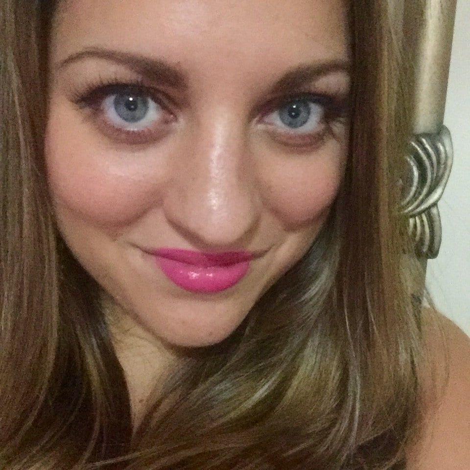 Kate with Fake Eyelashes