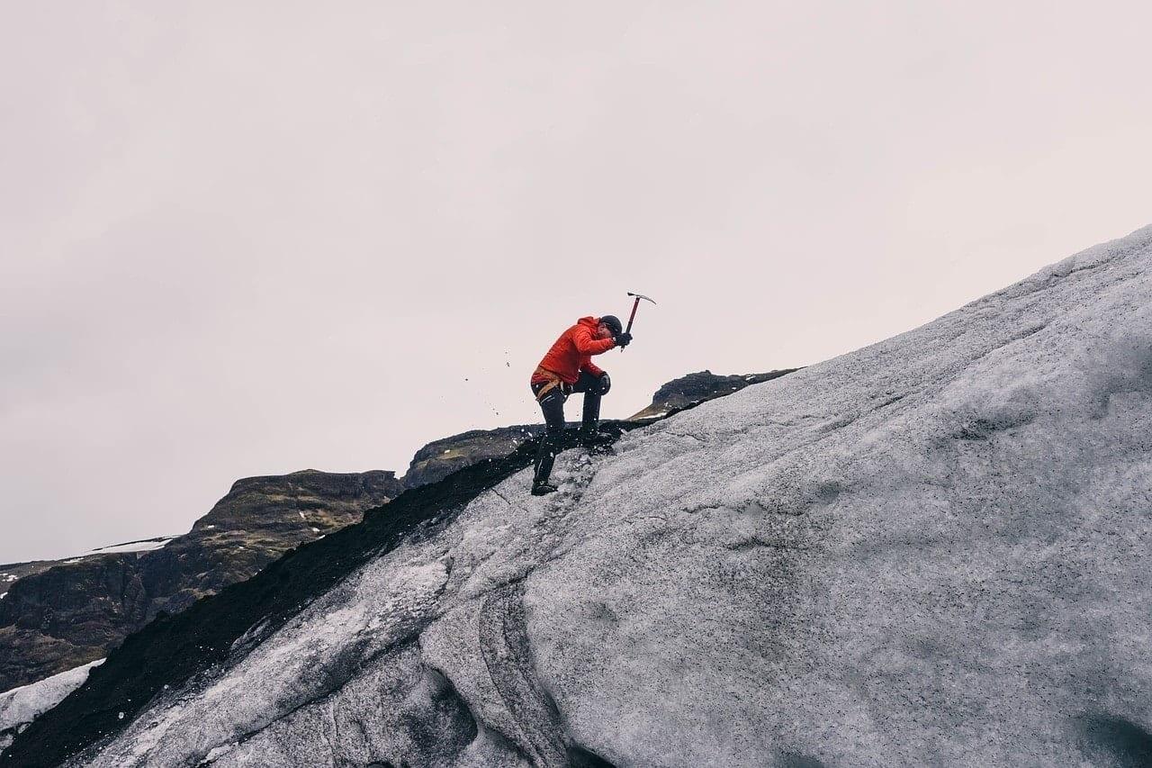 mountain-climbing-802099_1280 ▷ Las mejores cosas que hacer en Ushuaia, Argentina, la ciudad más austral del mundo