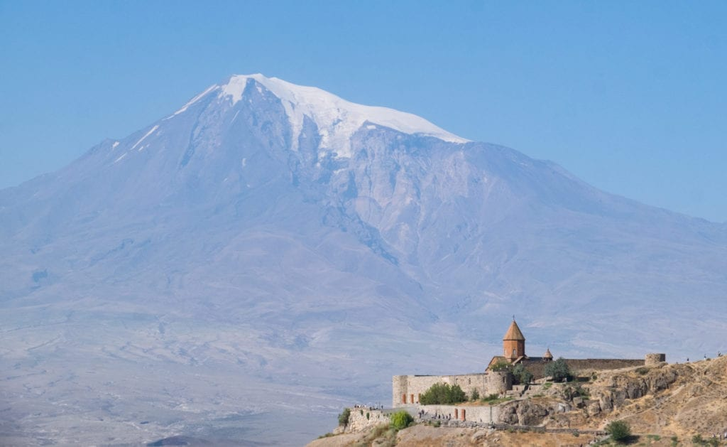 Mount Ararat rises in the background; in the foreground is Khor Virap Monastery.